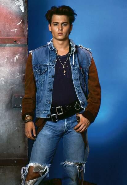 De 1987 à 1990, il interprète l'un des rôles principaux de la série 21 Jump Street