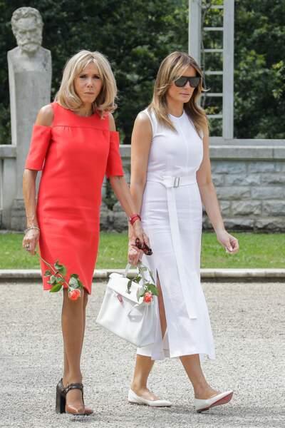 Brigitte Macron inséparable de Melania Trump lors de leur visite d'Espelette, le 25 août 2019.