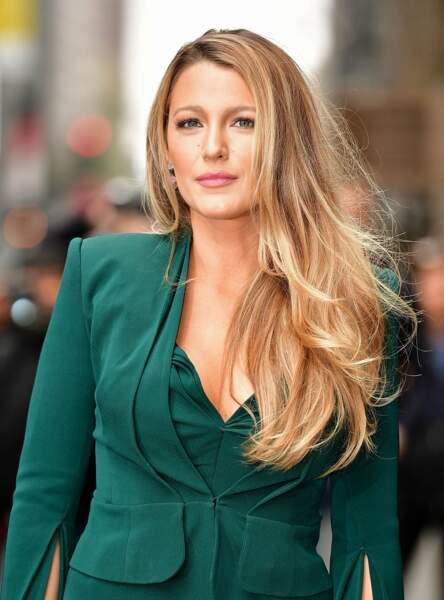 Autre astuce beauté de Blake Lively : elle applique de la mayonnaise sur ses cheveux