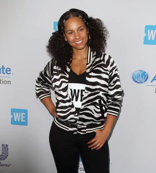 Alicia Keys ou la reine du naturelle : pour elle c'est no make-up et nappy hair en toutes circonstanc