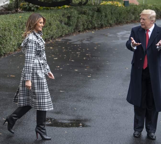 Melania Trump très classe avec ses bottes Louboutin, à Washington, le 9 novembre 2018.