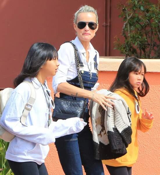 Laeticia Hallyday et ses deux filles Jade et Joy passent la journée à Universal Studios