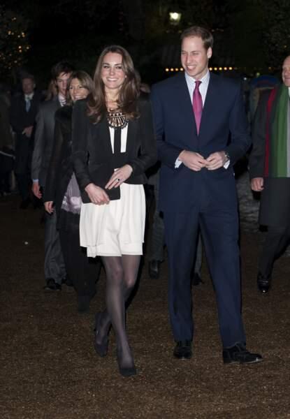 En décembre 2010, Kate alors encore Middleton jette son dévolu sur cette robe simple et vaporeuse