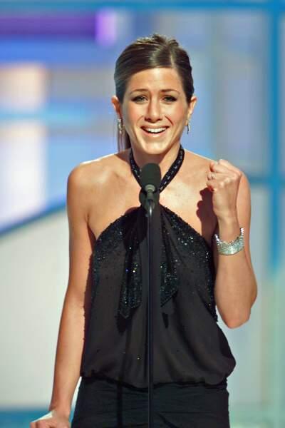 2002 Jennifer Aniston les cheveux attachés, un fait rare