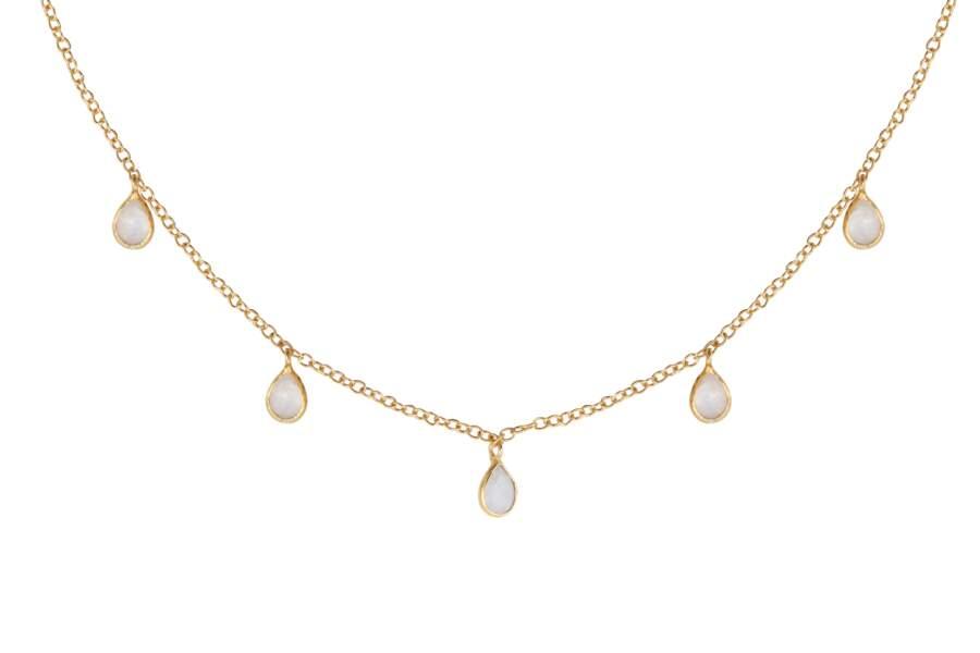 Gouttes, collier pierre de lune Laeticia Ponti, 90 € (leticiaponti.com)