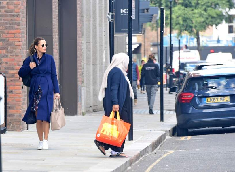 Pippa Middleton radieuse à la sortie de son cours de gym