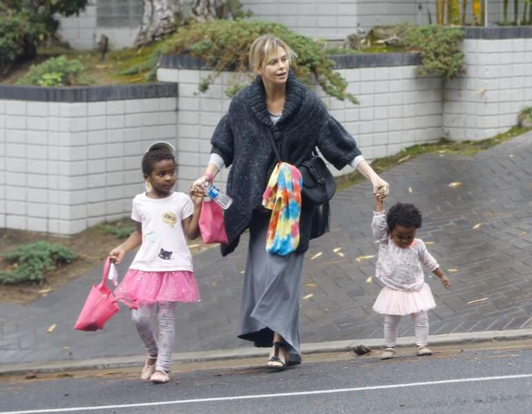 Charlize Theron avec ses enfants August et Jackson