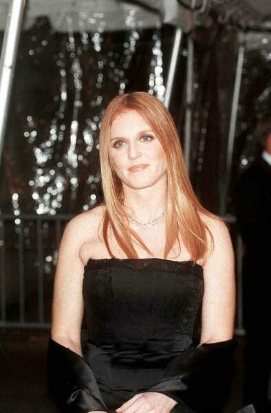 Sarah Ferguson extrêment chic en robe bustier au Met Gala en 1998