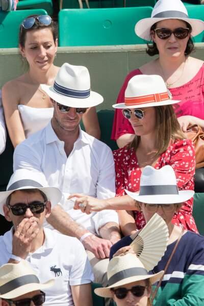 Pippa Middleton et son mari se protègent du soleil