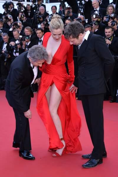 Mais Emmanuelle Seigner a aussi dévoilé un peu du bas à l'occasion de ce festival de Cannes 2013.