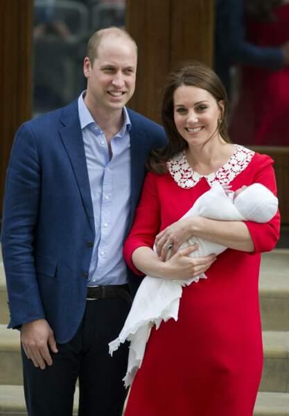 William et Kate devant l'hôpital St Mary's pour la naissance de leur 3e enfant, le 23 avril 2018