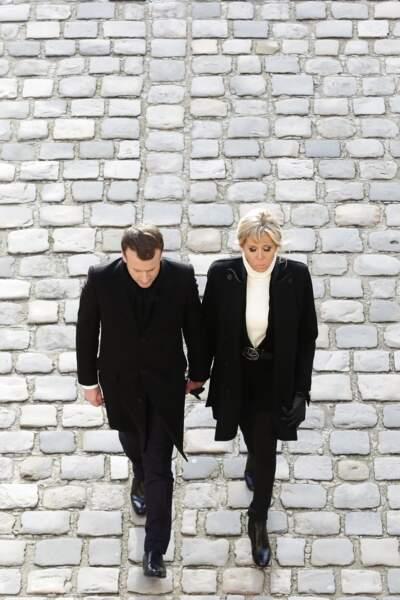 Brigitte et Emmanuel Macron : un couple uni, soudé et très ému