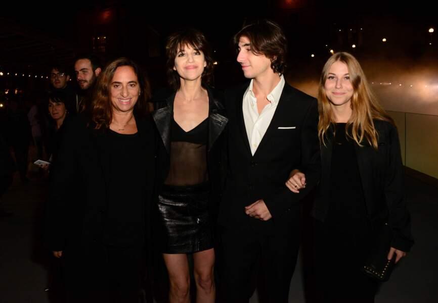 Né en 1997, Ben est le premier enfant de Charlotte Gainsbourg et Yvan Attal, qui se sont rencontrés en 1991.
