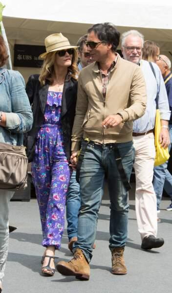 Vanessa Paradis et Samuel Benchetrit main dans la main