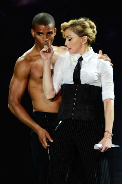 Madonna et Brahim Zaibat lors du MDNA Tour à Londres en 2012