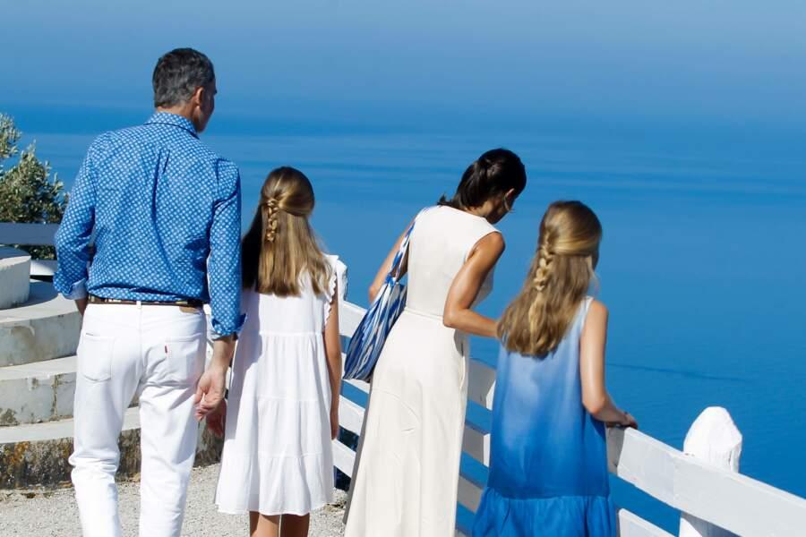 Letizia et Felipe d'Espagne ont profité d'un moment de détente avec leurs filles Leonor et Sofia
