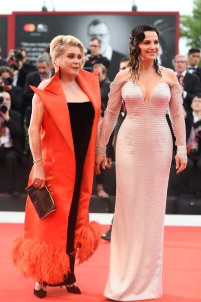 Sur le tapis rouge, Juliette Binoche et Catherine Deneuve étaient complices