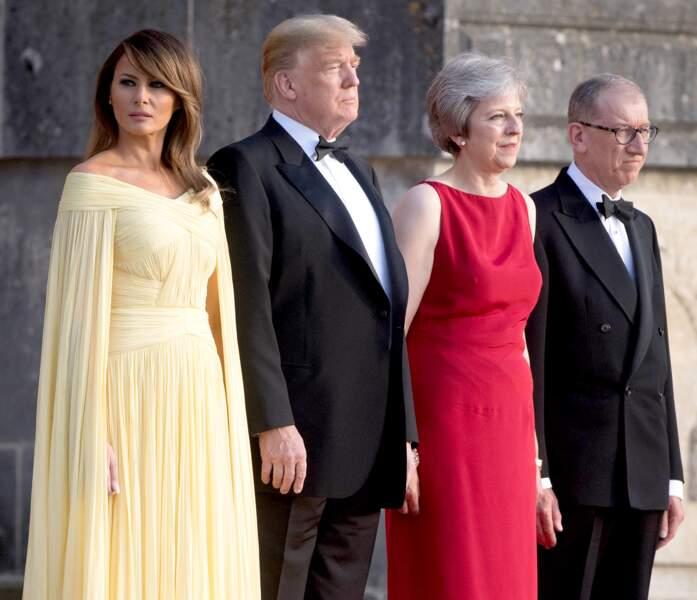 Donald Trump et son épouse ont été accueillis par Theresa May et son époux.