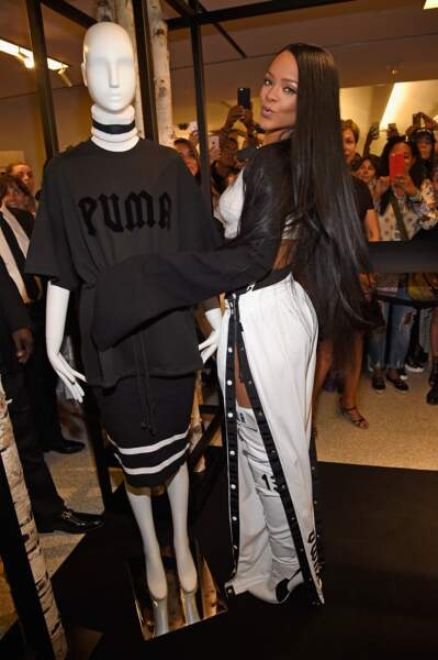 Rihanna au pop-up store FENTY PUMA