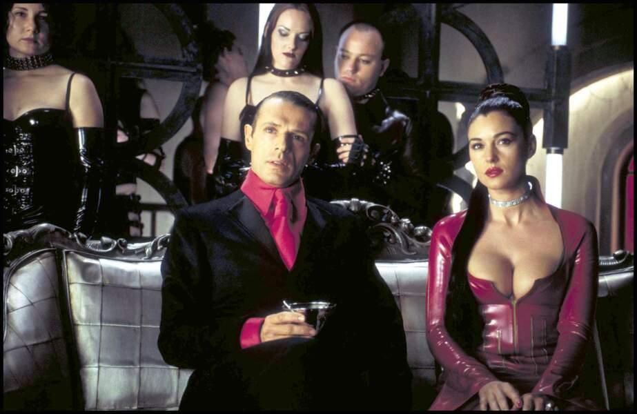 Monica Bellucci dans Matrix Revolutions à côte de Lambert Wilson - 2003