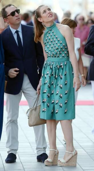 Gad Elmaleh et sa compagne Charlotte Casiraghi à Monaco sur le port Hercule en juin 2014