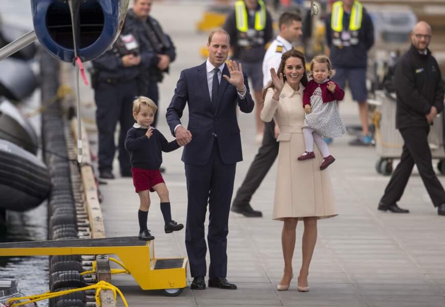 Le prince George, la princesse Charlotte et leurs parents Kate Middleton et le prince William au Canada en 2016