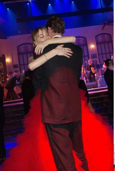 Moment de tendresse après une danse magnifique entre Pierre et Béatrice Casiraghi