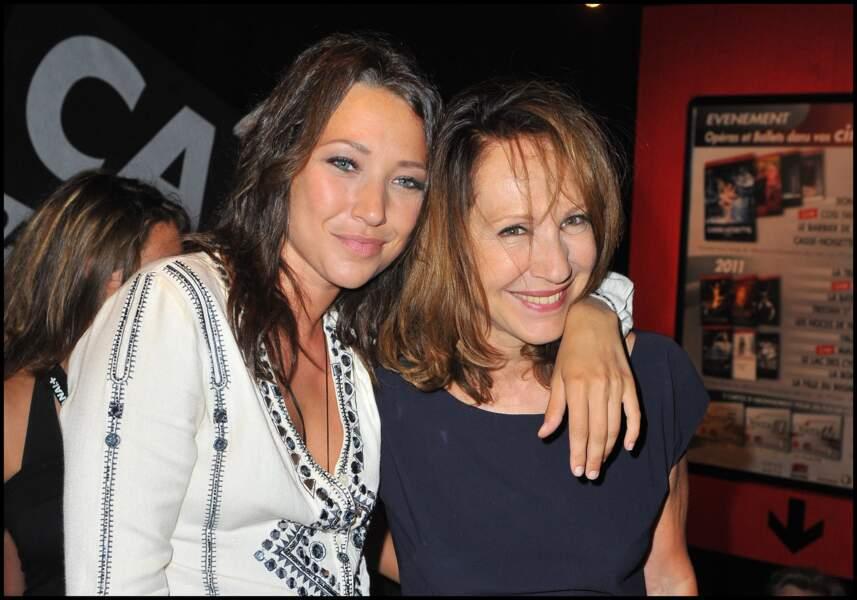 Laura Smet et Nathalie Baye au Festival du film d'Angoulême en 2010
