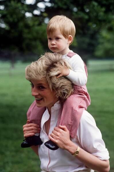 Diana et Harry à Highgrove, en 1986