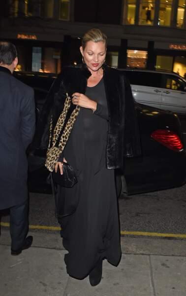 Kate Moss quitte le restaurant Sumosan Twiga à Londres