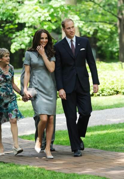 Kate et William, jeunes mariés, lors d'un voyage à Ottawa au Canada, le 2 juillet 2011
