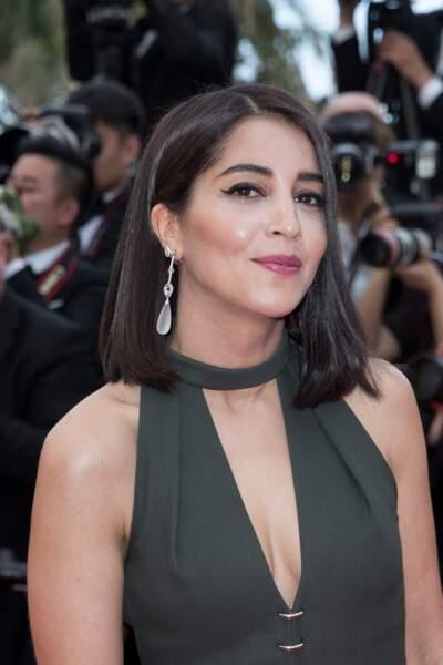"""Sublime Leïla Bekhti avec un carré très """"glass hair"""""""