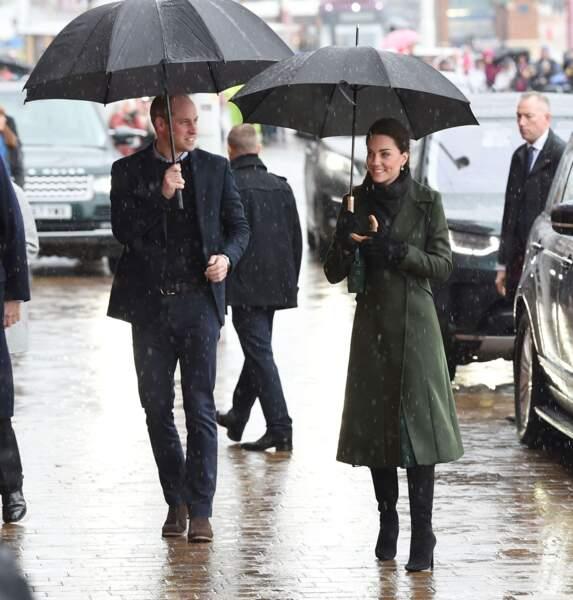 Malgré la pluie, Kate Middleton a affiché son plus beau sourire