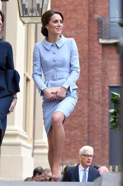 Kate Middleton à son arrivée à une exposition consacrée à Vermeer à La Hague, le 11 octobre 2016