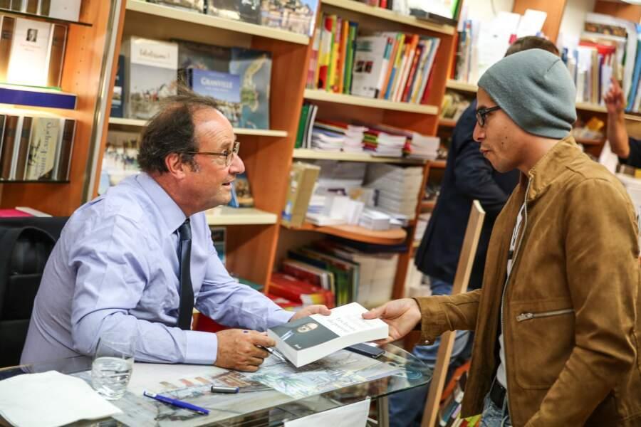 François Hollande pour une dédicace à Octenville et Granville, le 1er septembre