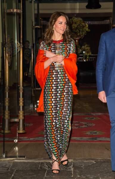 En avril 2016, lors d'un dîner organisé pour les rois du Bhoutan, Catherine ose une robe Tory Burch