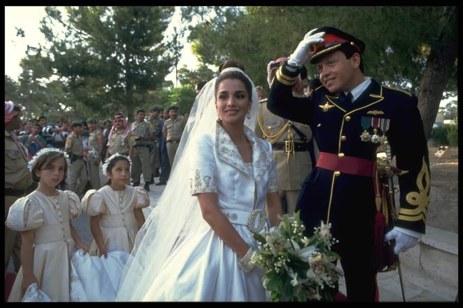 Abdallah et Rania de Jordanie (dans une robe Bruce Oldfield)  lors de leur mariage le 10 juin 1993