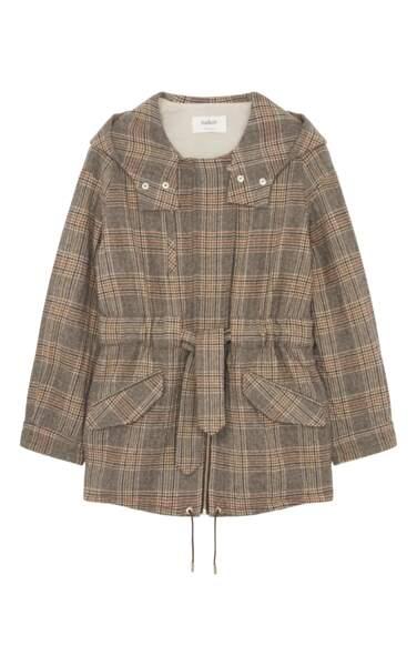 Prince de Galles, manteau court à capuche, 440 € (Ba&sh).