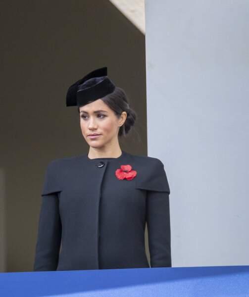 Meghan Markle a choisi un tailleur-jupe de la même couleur que la tenue de Kate Middleton
