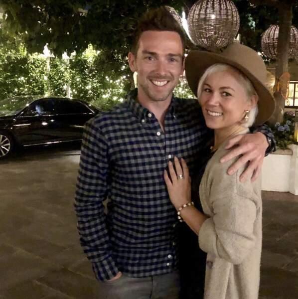 La danseuse de DALS semble être en couple avec Chris Buncombe, un pilote automobile britannique de 41 ans