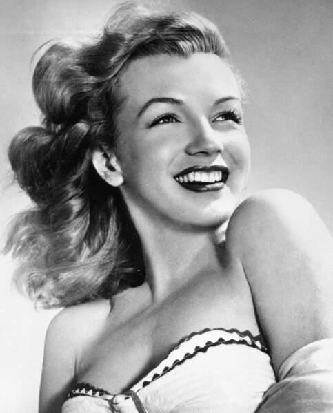 La toute jeune Marilyn, fraîche, légère, spontanée, séduit l'Amérique