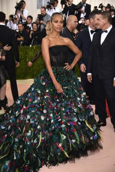Zoe Saldana en Dolce & Gabbana