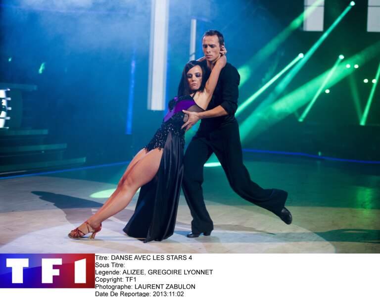 """En 2013, Alizée remporte la saison 4 de """"Danse avec les Stars""""... et le coeur de son partenaire Grégoire Lyonnet"""