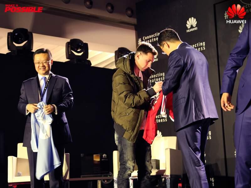 Lionel Messi dédicace des maillots