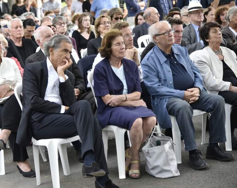 Bernard-Henri Lévy, concentré, lors de l'enterrement de Claude Lanzmann ce jeudi 12 juillet à Montparnasse