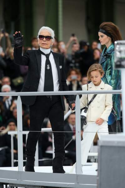Lors de l'une des dernières collections de Karl Lagerfeld, prêt-à-porter automne-hiver 2017-2018