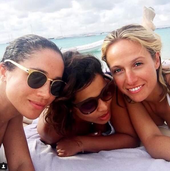 Très secrète, Benita a accompagné Meghan et Misha Nonoo, à Formentera, en août 2016.