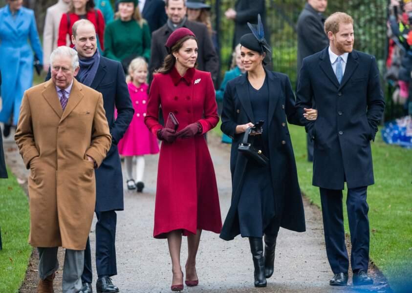 Charles précède William, Kate, Meghan et Harry lors de la messe de Noël à Sandringham, le 25 décembre 2018