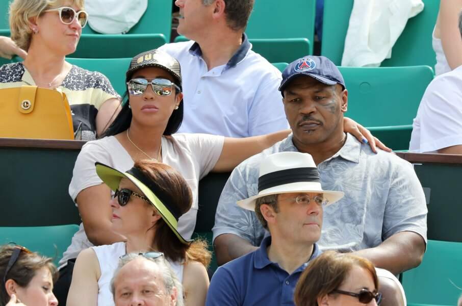 Mike Tyson avec sa femme Kiki dans les tribunes de Roland Garros le 3 juin 2018