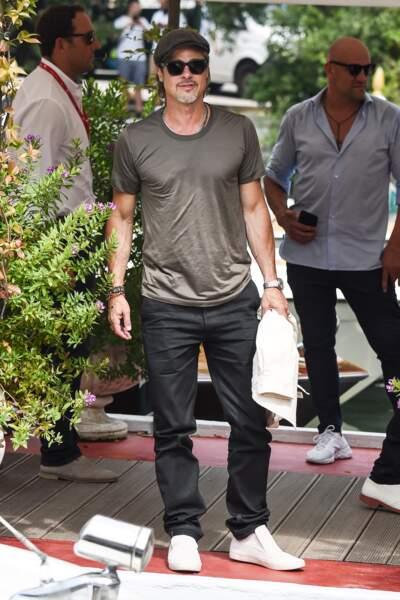 Sexy cool, Brad Pitt arrive à Venise plus en forme que jamais
